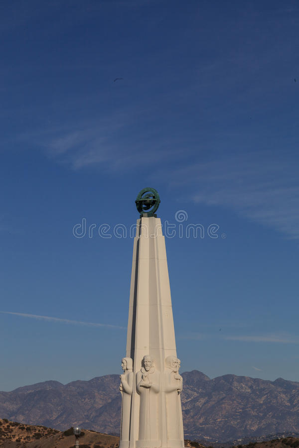 Astronomen-Monument in Griffith Park bei Griffith Observatory, Los Angeles stockbilder