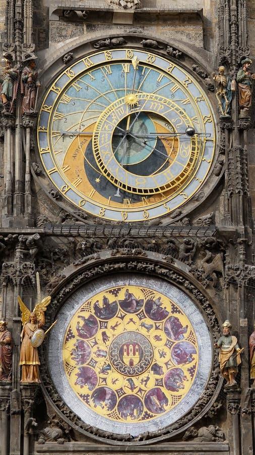 Astronomisch Klokketorendetail in Oude Stad van Praag, Tsjechische Republiek De astronomische klok werd gecreeerd in 1410 door ho royalty-vrije stock foto's