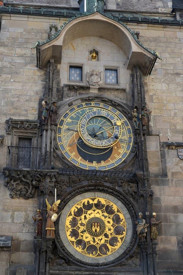 Astronomische klok op het stadhuis van Staromestsky Praag, Tsjechische Republiek stock foto's