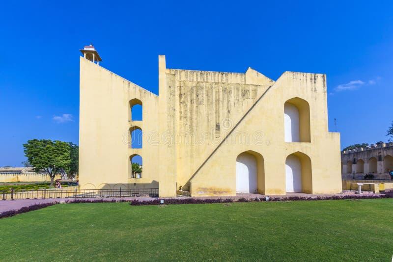 Astronomiskt instrument på den Jantar Mantar observatoriet arkivfoto