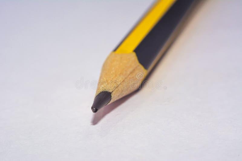 Astuce colorée noire jaune de crayon photographie stock