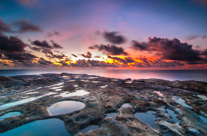Astuces du Bornéo pendant le coucher du soleil photographie stock libre de droits