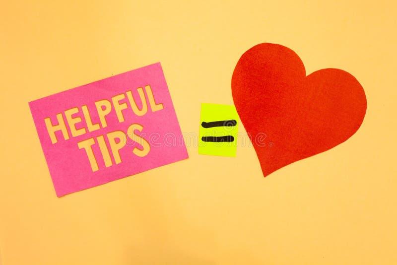 Astuces utiles des textes d'écriture de Word Concept d'affaires pour des conseils secrets utiles de l'information donnés pour acc illustration libre de droits