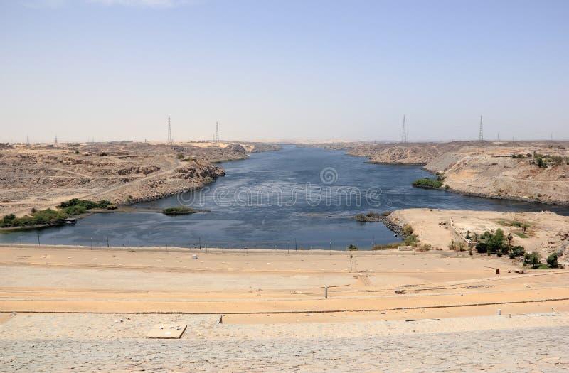 Aswan fördämning Den höga fördämningen Aswan Egypten royaltyfria foton