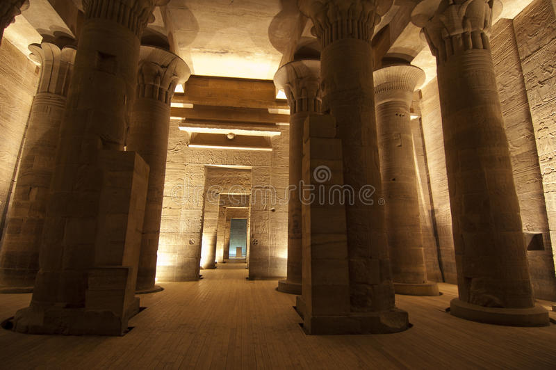 aswan kolumn isis philae świątynni fotografia stock