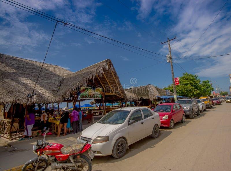 ATACAMES, ECUADOR - Maart 16, 2016: De Steetmening van strandstad op de Noordelijke Vreedzame kust die van Ecuador wordt gevestig royalty-vrije stock afbeelding