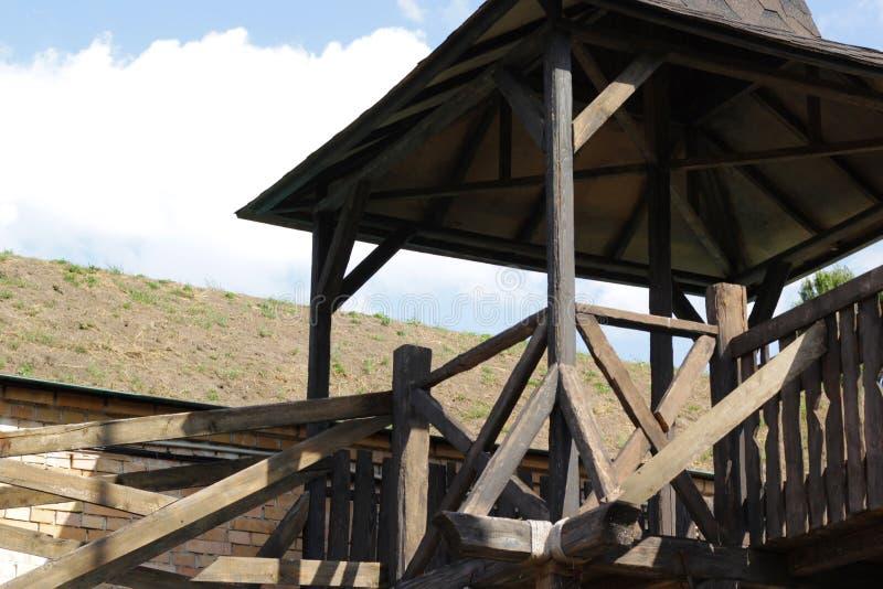 Atalaya de madera de la fortaleza vieja imagen de archivo