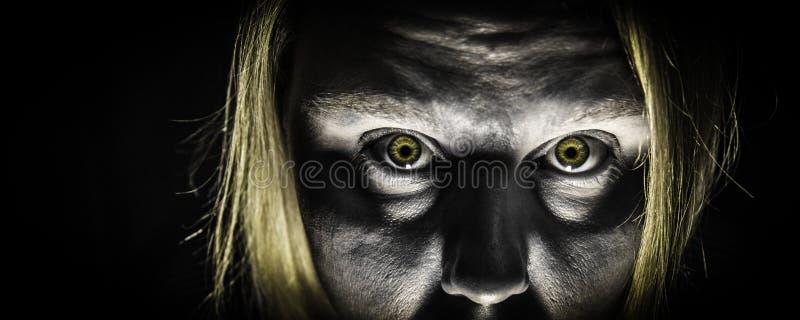 Ataque del zombi fotos de archivo