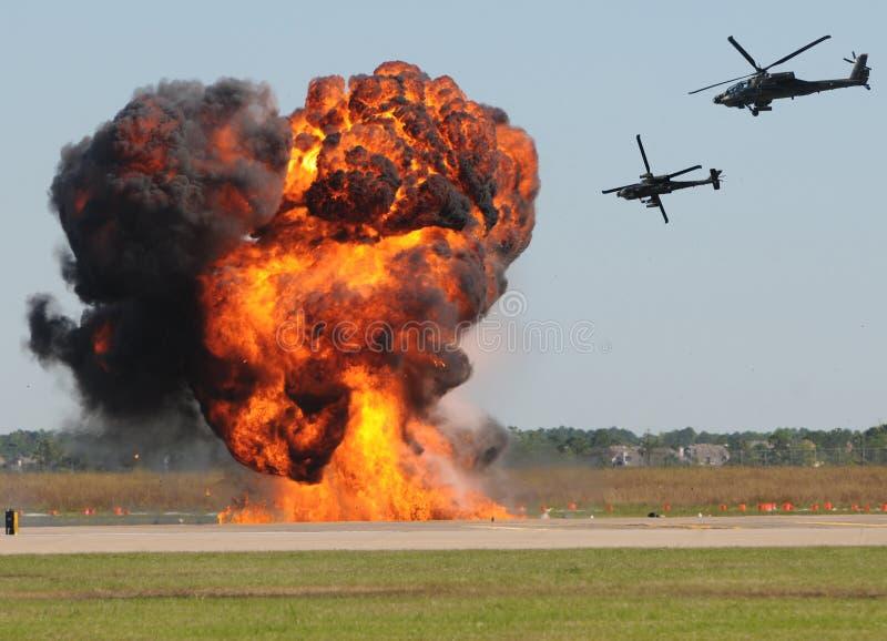 Ataque do helicóptero fotografia de stock royalty free
