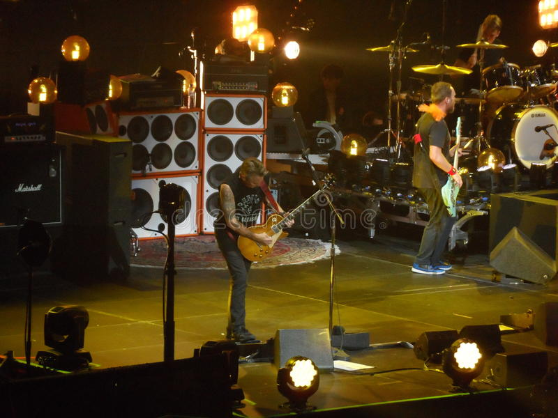 Atasco de la perla, banda de rock Ziggodome vivo Amsterdam fotografía de archivo