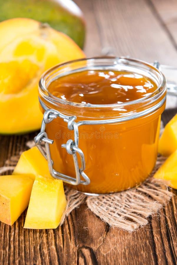 Download Atasco del mango foto de archivo. Imagen de fruity, amarillo - 42435462