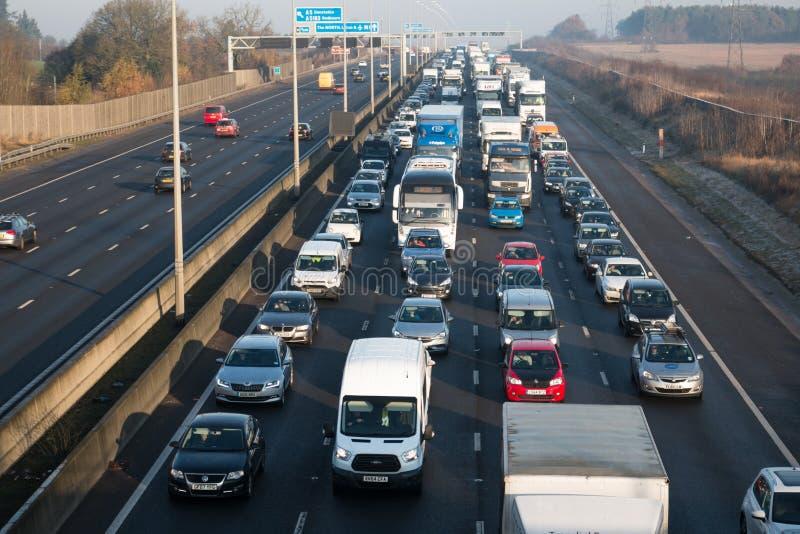 Atasco en la autopista británica M1 imagen de archivo libre de regalías