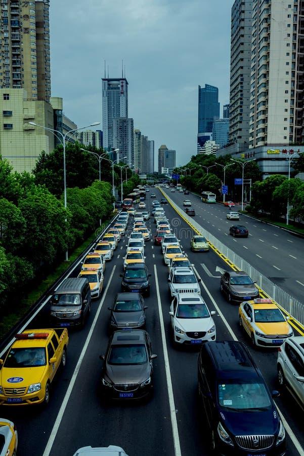 Atascos en la ciudad de Wuhan imagen de archivo