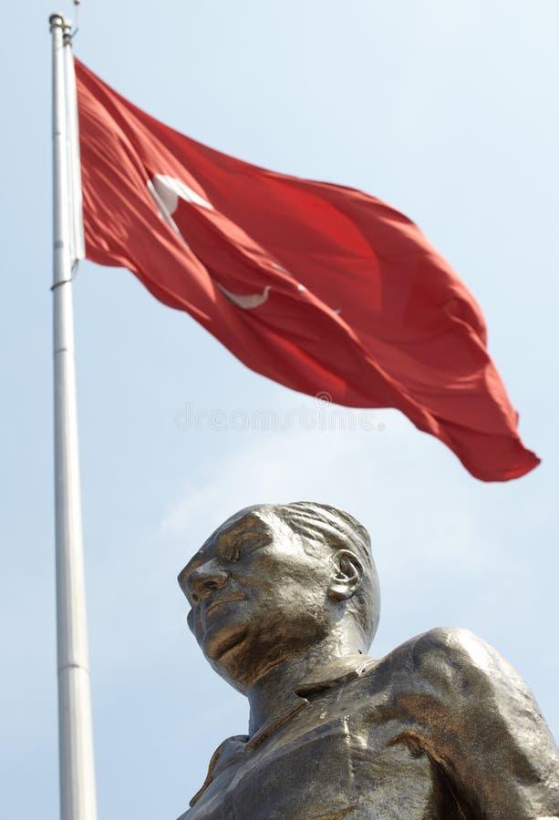 ataturk纪念碑和平 免版税库存照片