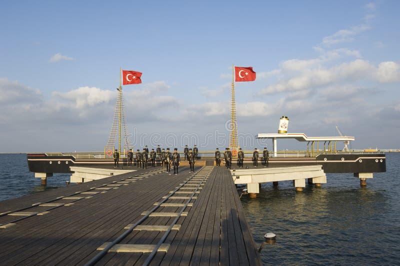 Ataturk y su escultura de los amigos. Samsun-Turquía fotografía de archivo libre de regalías