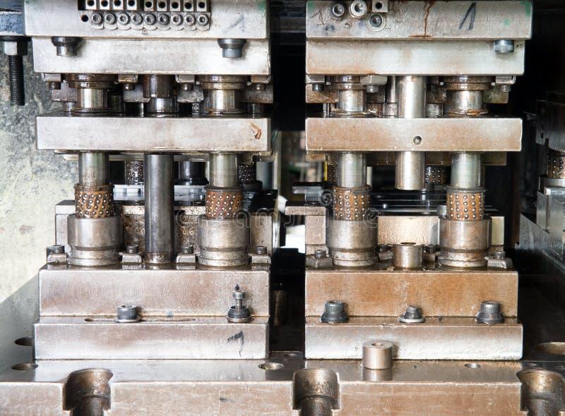 Atelier - presse à former le métal photos libres de droits
