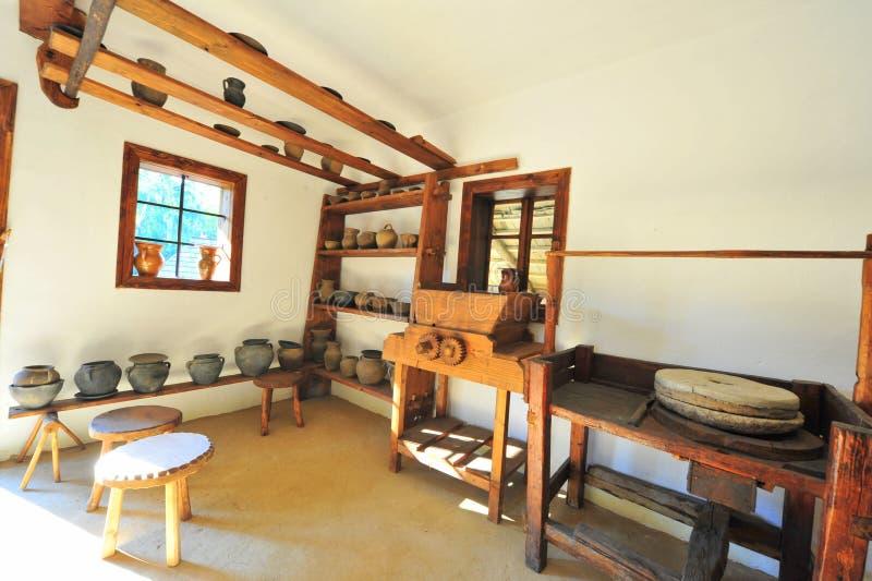 Atelier rural traditionnel de poterie photographie stock libre de droits