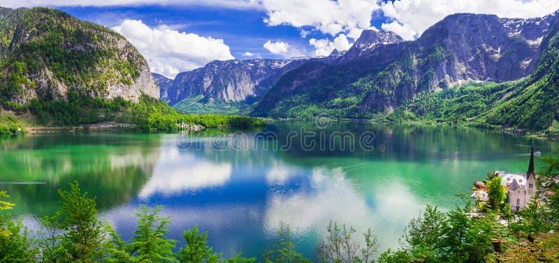 Atemberaubende Beschaffenheit und Seen von Österreich hallstatt stockfotografie