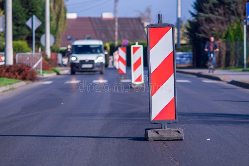 A atenção a rua é obstruída Repare o trabalho uma pessoa importante imagem de stock royalty free