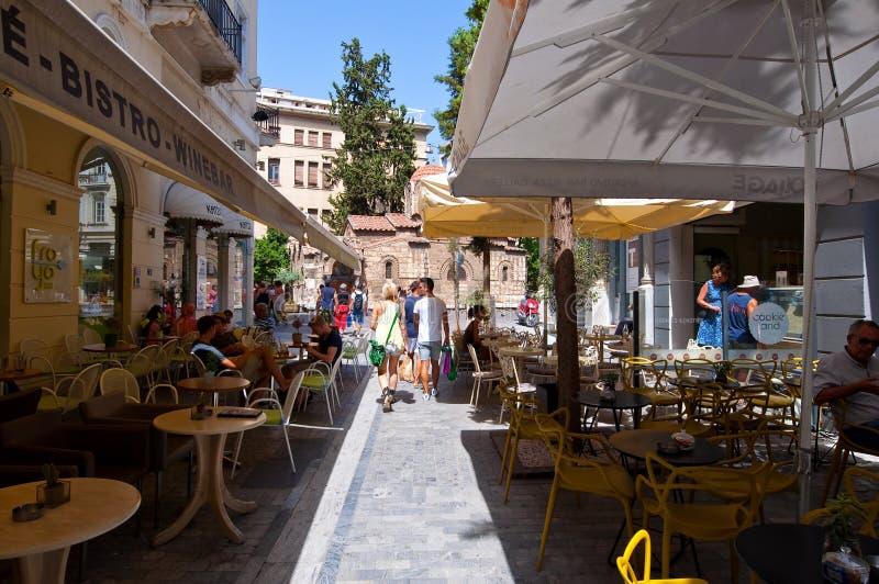 ATENAS 22 DE AGOSTO: Café griego tradicional exhibido para la venta en el área de Plaka el 22 de agosto de 2014 en Atenas, Grecia foto de archivo