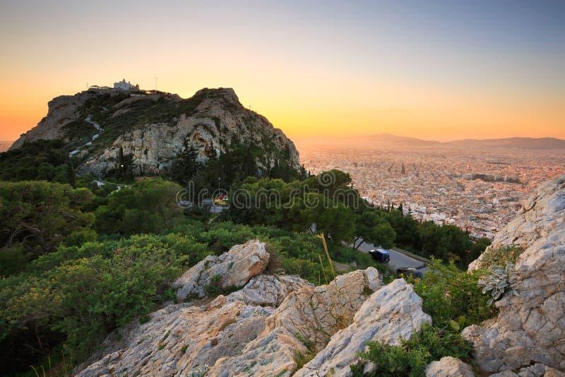 Atenas e monte de Lycabettus imagens de stock royalty free