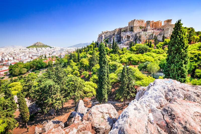 Atenas, Grécia, acrópole e templo de Erechtheion imagem de stock