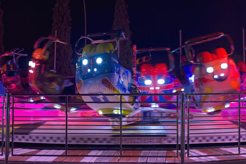 ATENAS, GRÉCIA - 7 DE AGOSTO DE 2017: Passeio de giro na paridade do divertimento de Allou imagens de stock royalty free