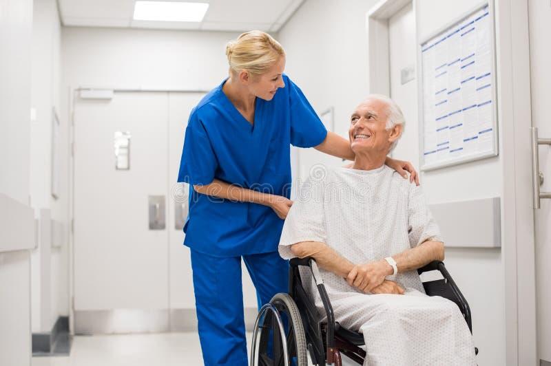 Atención hospitalaria fotos de archivo