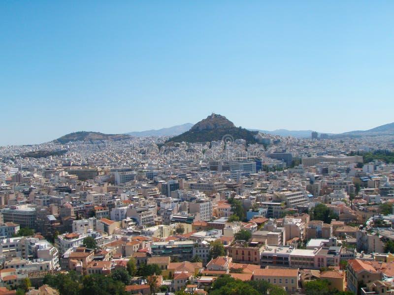 Atene, Grecia da sopra, guardante verso il monte Licabetto fotografia stock