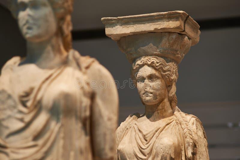 ATENY GRECJA, GRUDZIEŃ, - 30, 2016: Statua Caryatides w Acro fotografia stock