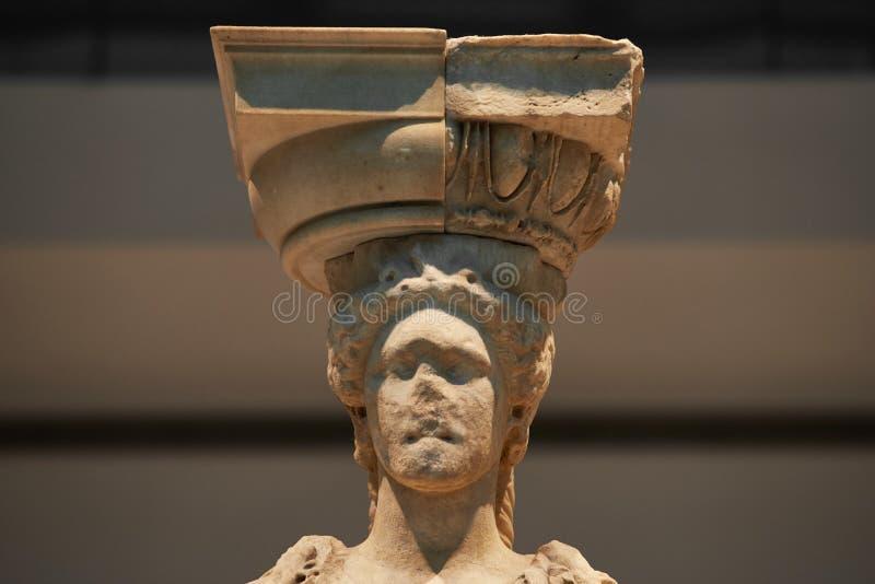 ATENY GRECJA, GRUDZIEŃ, - 30, 2016: Statua Caryatides w Acro obrazy stock
