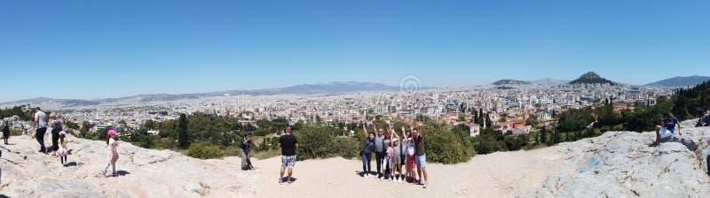 Ateny Grecja, Maj, - 5, 2019: Panoramiczny widok grecki punkt zwrotny na akropolu Ateny, Grecja zdjęcie stock