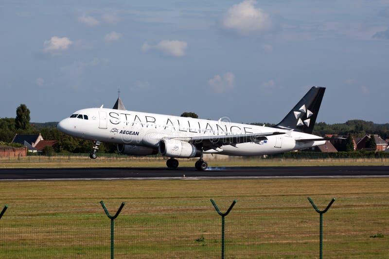 Aterragem de avião da aliança da estrela de Aegan imagem de stock royalty free