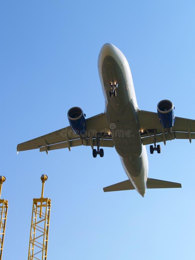Aterragem de aviões e luzes de aterragem. fotografia de stock royalty free