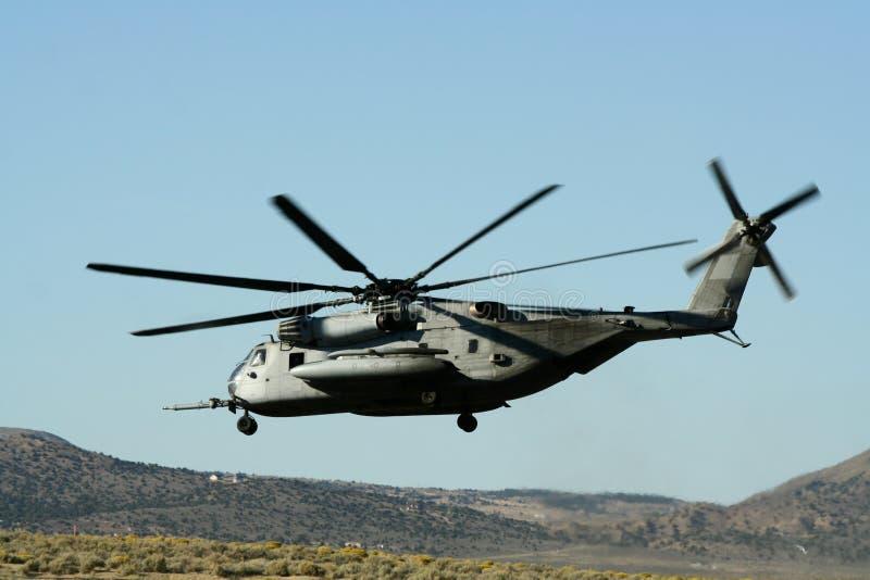 Aterragem do helicóptero fotografia de stock royalty free