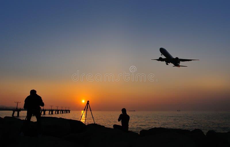 Aterrissagem de avião fotos de stock royalty free