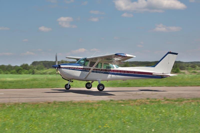 Aterrissagem plana clara fotos de stock