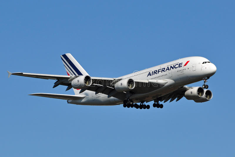 Aterrizaje de Air France A380 imagen de archivo