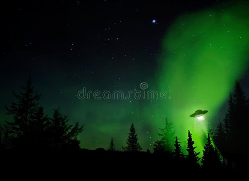 Aterrizaje del UFO fotografía de archivo
