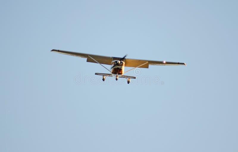 Download Aterrizaje plano foto de archivo. Imagen de plano, azul - 42435528