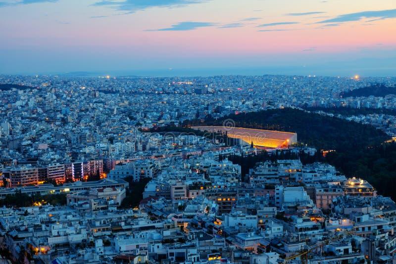 Athènes avec le vieux Stade Olympique photo stock