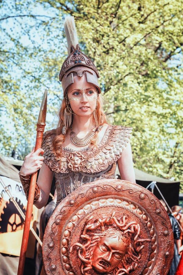 Athéna la déesse de la guerre et de la sagesse pendant l'imagination d'Elf juste photos stock