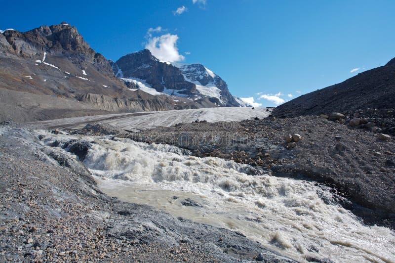 Athabasca Gletscher mit Schmelzwasser 01 stockfotografie