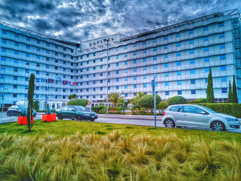 Athen-Flughafen eleytherios venizelo, das Hotel äußer und sehr nah lizenzfreie stockfotos