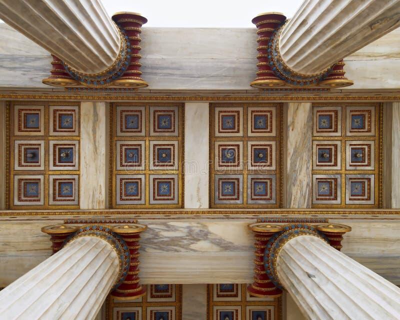 Athen Griechenland, Dachdetail der nationalen Akademie stockfotos