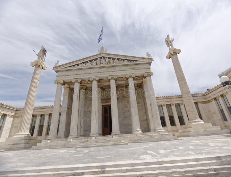 Athen Griechenland, das nationale Hochschulneoklassische Gebäude mit Athene- und Apollo-Statuen stockbild