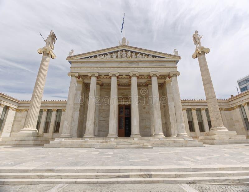 Athen Griechenland, das nationale Hochschulneoklassische Gebäude mit Athene- und Apollo-Statuen lizenzfreie stockfotografie