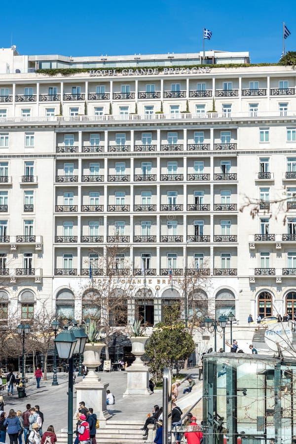Athen, Griechenland - 5. März 2017: Das historische große Bretagne-Hotel durch Syntagmen quadrieren stockbilder