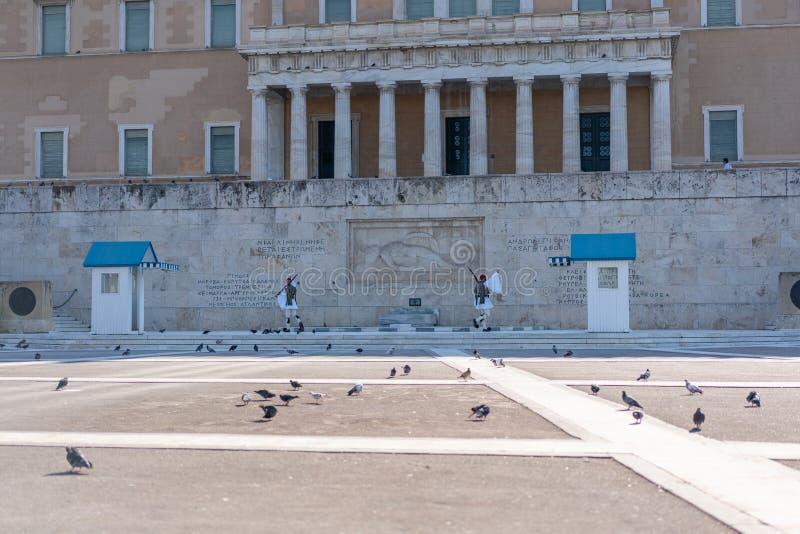 ATHEN, GRIECHENLAND - 16. SEPTEMBER 2018: Das hellenische Parlamentsgebäude in den Syntagmen quadrieren lizenzfreie stockbilder