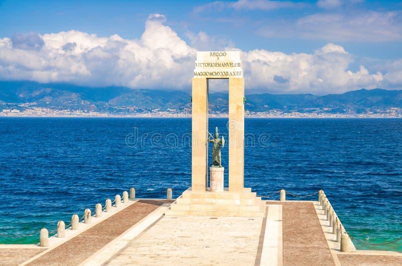 Athena gudinnastaty, Reggio Di Calabria, sydliga Italien royaltyfri bild